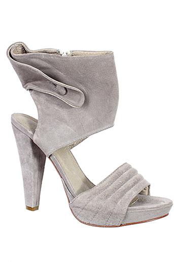 v et m sandales et nu et pieds femme de couleur gris