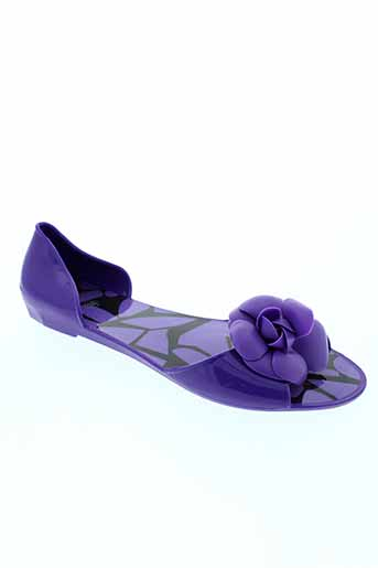cassis et cote et d et azur sandales et nu et pieds femme de couleur violet