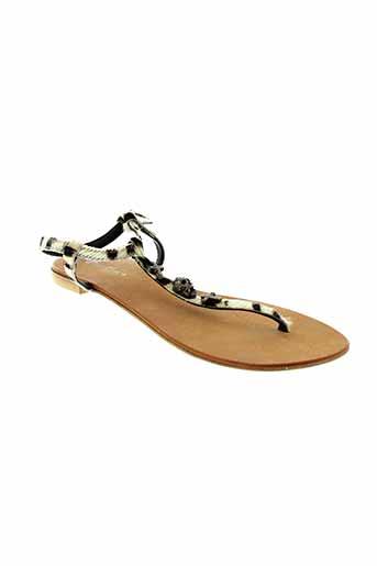 dona et nova sandales et nu et pieds femme de couleur beige