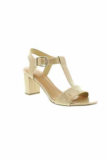 clarks sandales et nu et pieds femme de couleur beige