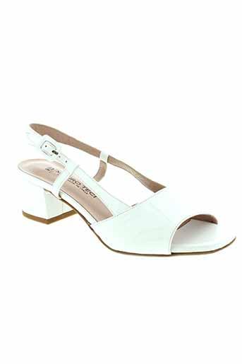 mauro et teci sandales et nu et pieds femme de couleur blanc