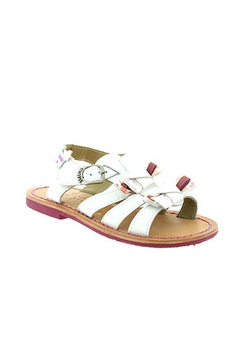 chipie sandales et nu et pieds fille de couleur blanc