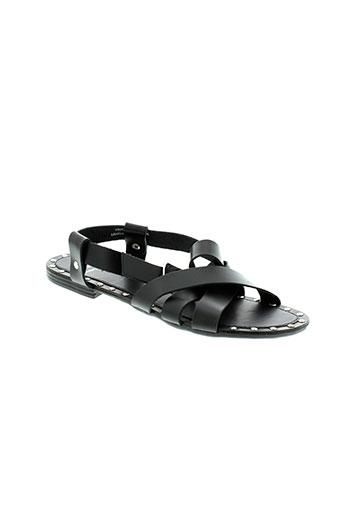 pieces sandales et nu et pieds femme de couleur noir