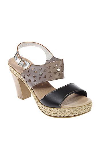 chacal sandales et nu et pieds femme de couleur noir