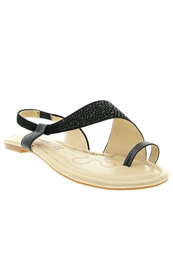 pretty et nana sandales et nu et pieds femme de couleur noir