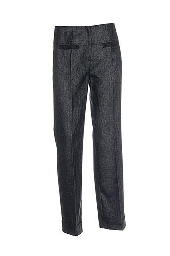 jean et delfin pantalons et citadins femme de couleur gris