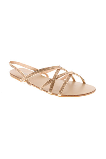 tom et eva sandales et nu et pieds femme de couleur beige