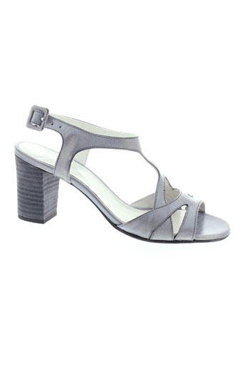 ayame sandales et nu et pieds femme de couleur gris