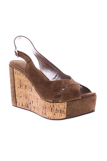 free et lance sandales et nu et pieds femme de couleur marron