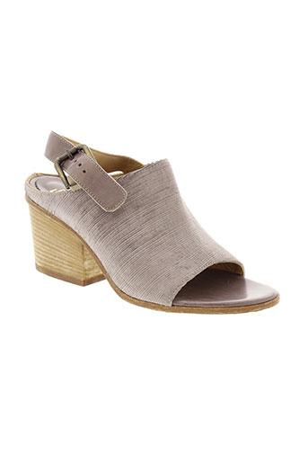 fru et it sandales et nu et pieds femme de couleur marron