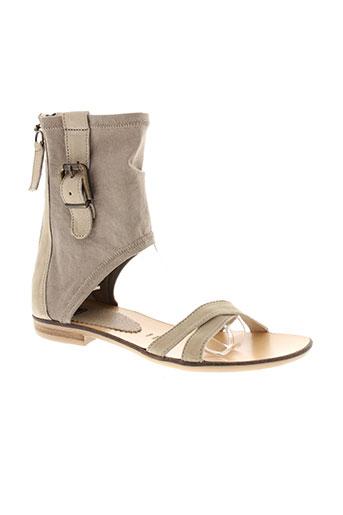 fruit sandales et nu et pieds femme de couleur beige
