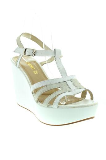 samoa sandales et nu et pieds femme de couleur blanc