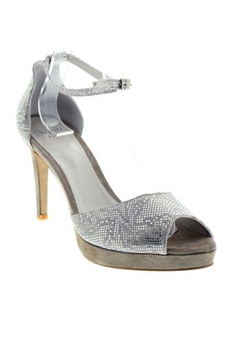 perlato sandales et nu et pieds femme de couleur beige