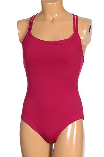 deha body et 1 femme de couleur rose