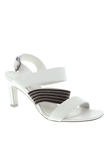 vic sandales et nu et pieds femme de couleur blanc