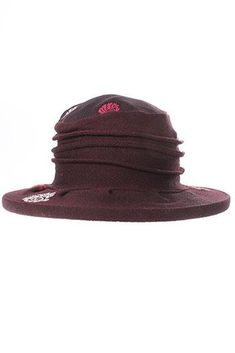 berthe et aux et grands et pieds chapeaux et bonnets femme de couleur violet