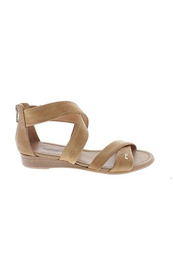 nero et giardini sandales et nu et pieds femme de couleur marron
