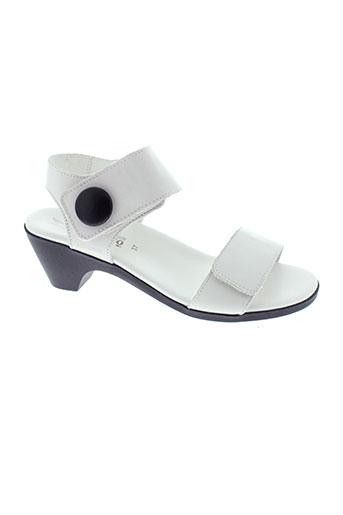mephisto sandales et nu et pieds femme de couleur blanc