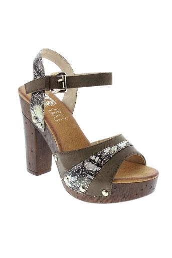 cassis et cote et d et azur sandales et nu et pieds femme de couleur gris
