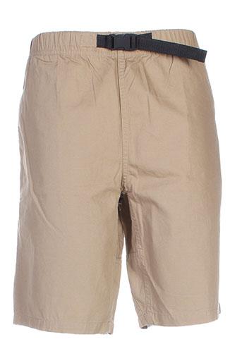 carhartt shorts et 1 homme de couleur beige