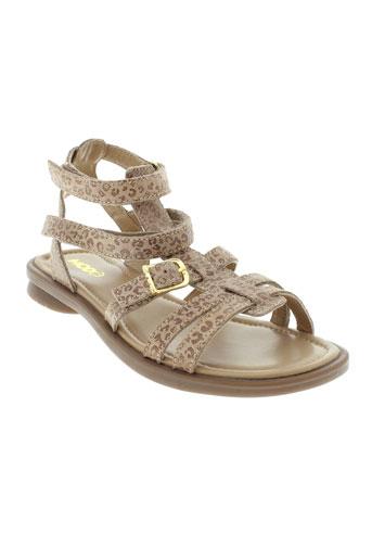 mod8 sandales et nu et pieds fille de couleur beige