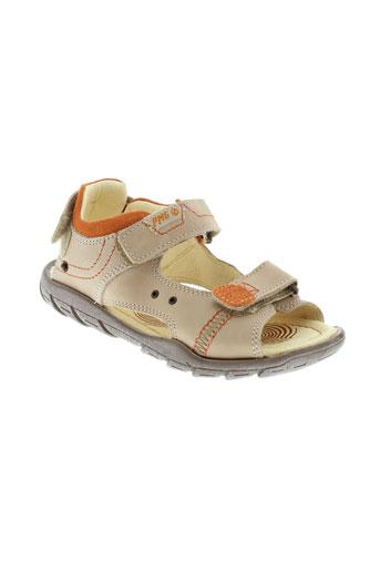 primigi sandales et nu et pieds garcon de couleur beige