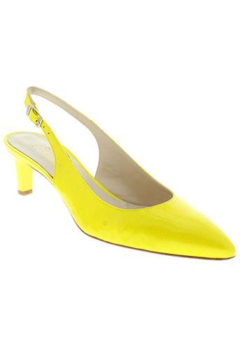 python sandales et nu et pieds femme de couleur jaune