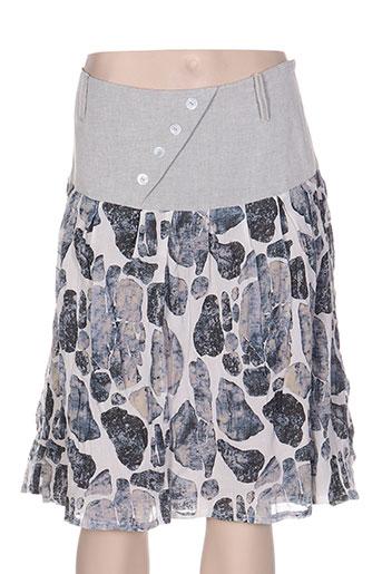 echappees belles jupes femme de couleur gris