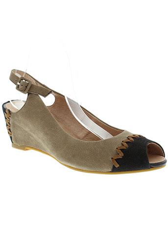 mam et zelle sandales et nu et pieds femme de couleur marron