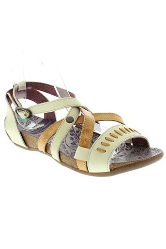 nice sandales et nu et pieds femme de couleur beige