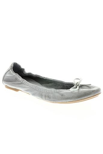 dénouée chaussures femme de couleur gris