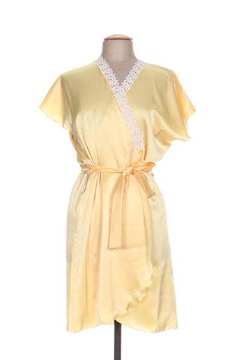 marjolaine nuit femme de couleur jaune