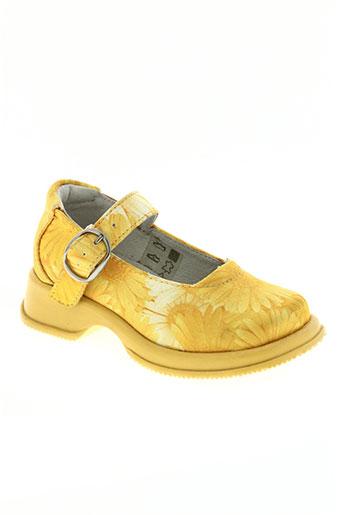 primigi chaussures fille de couleur jaune
