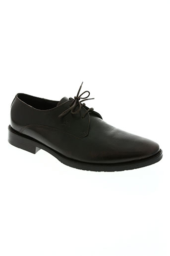 attitude masculine chaussures homme de couleur marron
