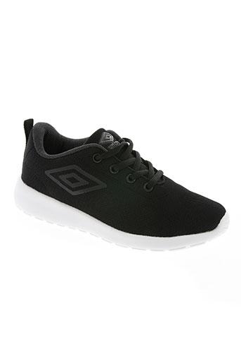 umbro chaussures garçon de couleur noir