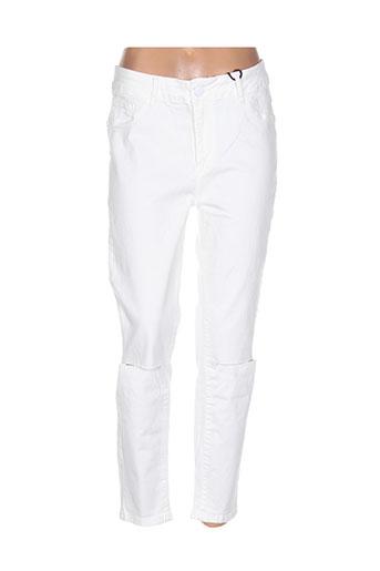 mat. jeans femme de couleur blanc