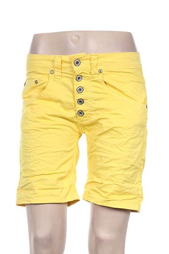 please shorts / bermudas femme de couleur jaune