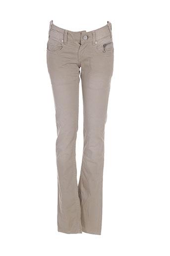 levis jeans femme de couleur beige
