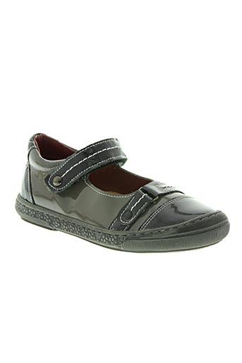 natik chaussures fille de couleur gris