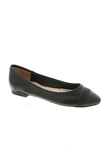 empreinte chaussures femme de couleur noir