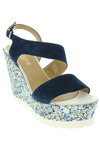 tres jolie chaussures femme de couleur bleu