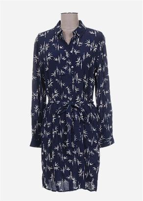 Robe chemise bleue marine avec motifs